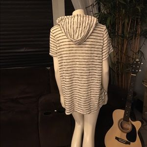 Maurices Sweaters - Maurices S/S White & Black Hooded Cardigan Size 2